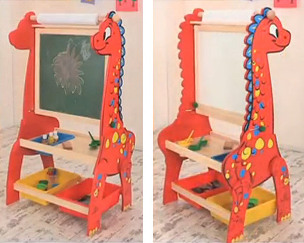 Kids easel with storage - 2