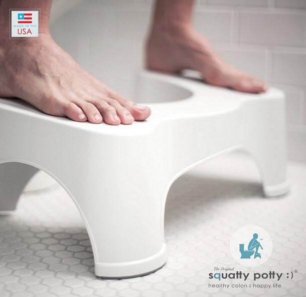 Toilet squatting platform