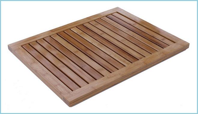 Bamboo bathroom floor mat